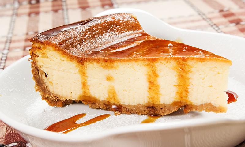 Tarta de queso fría con caramelo, la unión perfecta para degustar