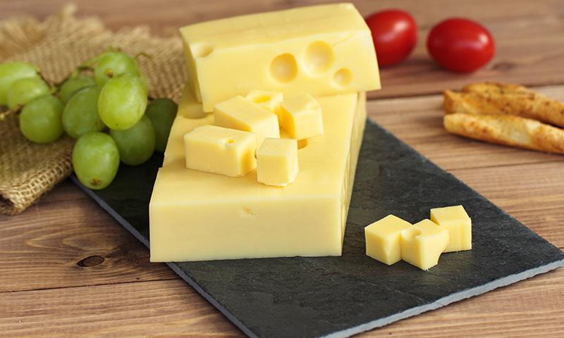 Salmorejo cordobés con queso, ¡diferente y delicioso!