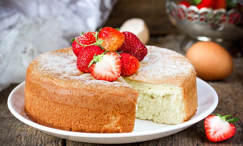 Receta de bizcocho de yogur con fresas for Cocina con sergio bizcocho
