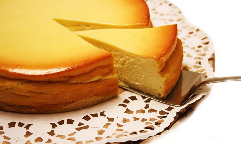 Exquisita y esponjosa, así es esta tarta de queso al horno a la gallega