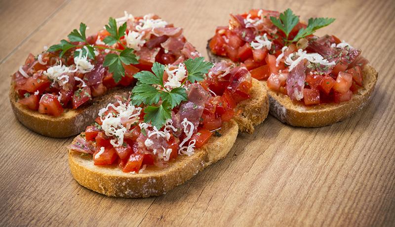 Recetas con Thermomix: Deliciosos canapés de salmorejo con jamón
