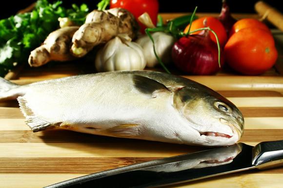 Truco de la semana: ¿sabes limpiar correctamente el pescado?