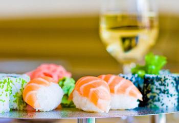 Cocina de fusi n c mo cocinar un 39 sushi 39 rebozado foto - Cocinar sushi facil ...