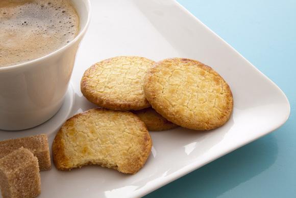 Y para merendar, un café con pastas... ¡caseras!