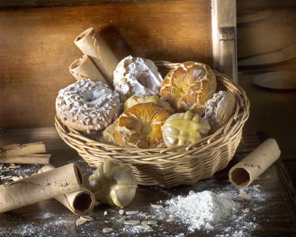 Tontas, listas o de Santa Clara. Escoge tus rosquillas favoritas... ¡y disfruta de un dulce San Isidro!