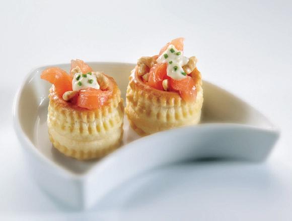 Salm n ahumado alimento 39 estrella 39 de los canap s navide os for Canape de salmon ahumado