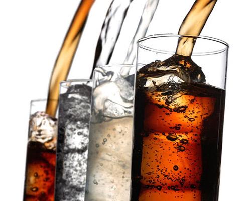 Cómo servir los refrescos para no perder un ápice de su sabor y aromas?