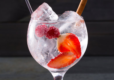 Coctelería: siete errores a la hora de preparar un 'Gin tonic'