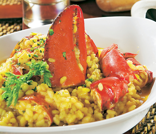 Cocina tradicional aprende a preparar un arroz con for Como cocinar un bogavante
