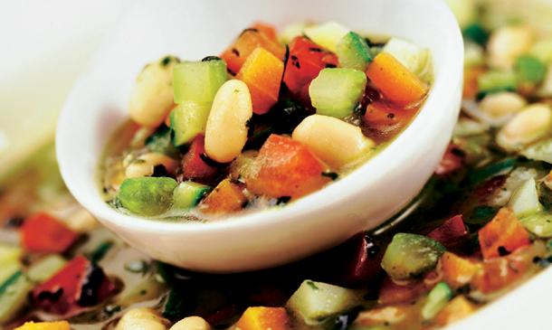 Potaje de legumbres: una receta, tres versiones