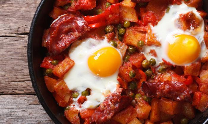Cocina regional huevos a la flamenca paso a paso - Curso cocina sevilla ...