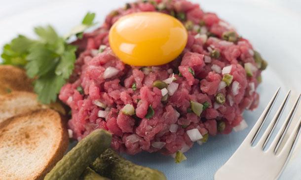 Recetas 'carnívoras': Consejos para preparar un 'steak tartare' delicioso