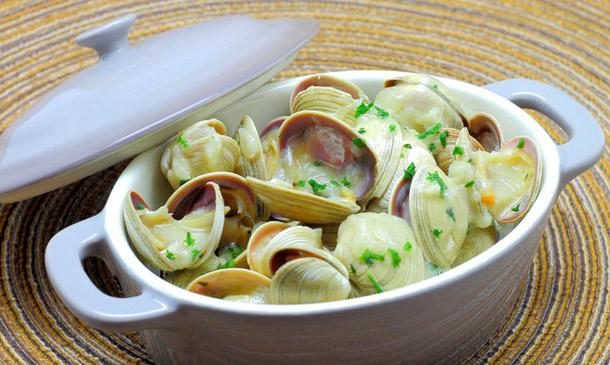 Cocina básica: cómo preparar una salsa verde, paso a paso
