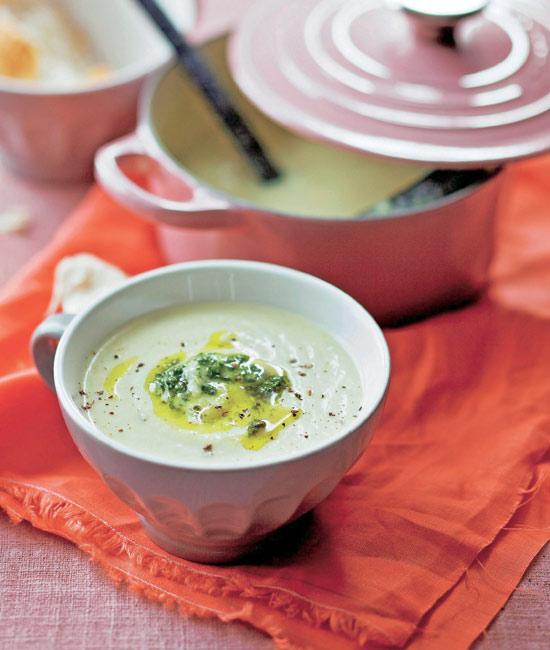 Sopas y cremas de verduras: cucharadas de salud en el plato