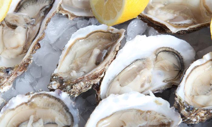 Cocina de Navidad: ¿Cómo abrir correctamente las ostras? ¡Te lo contamos, paso a paso!