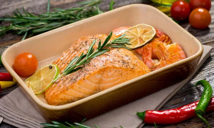 Cinco recetas para disfrutar de un delicioso pescado al horno