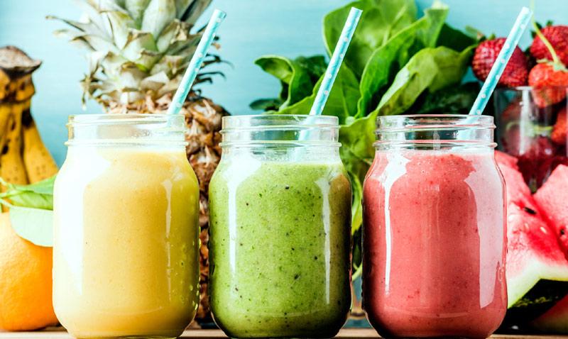 Rojo, verde, amarillo… elige un color, ¡y prepárate un 'smoothie' casero!