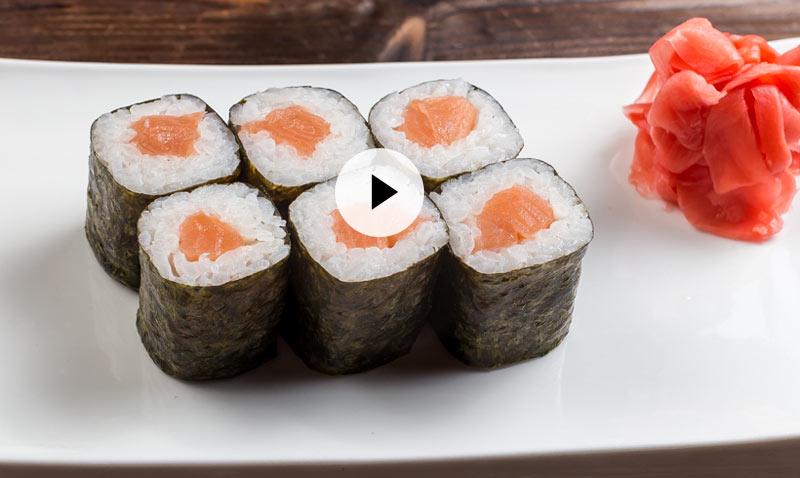 Vídeo-recetas: 'Sushi' de salmón, ¡sencillo, ligero, e irresistible!