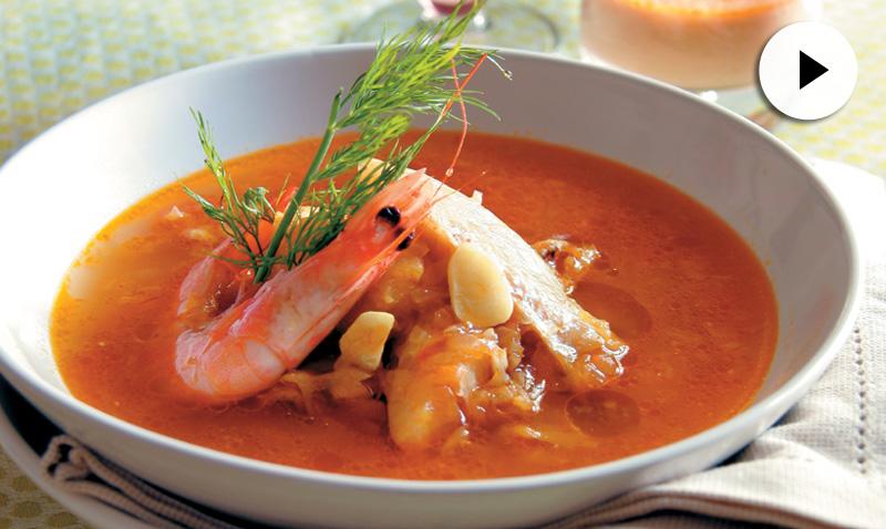 Vídeo-recetas: sopa bullabesa, ideal para un menú de Navidad muy marinero
