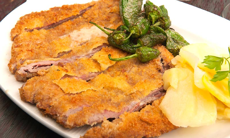Cocina asturiana: aprende a preparar en casa un cachopo ¡de premio!