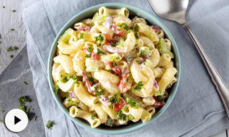 Vídeo-receta: dale un toque diferente a tus ensaladas de pasta