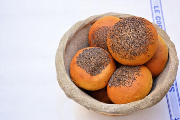 Pan de hamburguesa con sabor a tomate