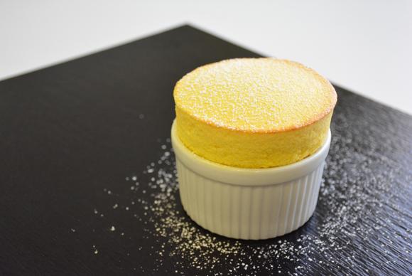 Soufflé de mango con 'lemon grass'