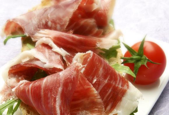 Jamón, queso, vino... ¿te gustaría catar algunas de las mejores 'delicatessen' culinarias?