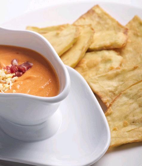 Salmorejo, la sopa fría favorita de los lectores de Hola.com