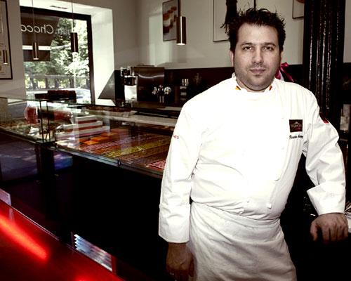 Ricardo Vélez, maestro repostero: 'La alta pastelería es mucho más sencilla de lo que parece'