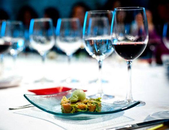 ¿Te gustaría que el chef Darío Barrio te diera una clase de cocina en tu propia casa?
