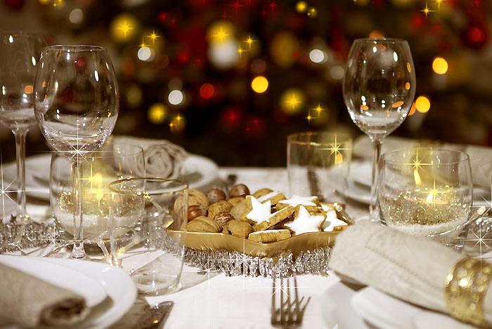 Invitados en navidad acierta a la hora de vestir tu mesa for Mesa de navidad elegante