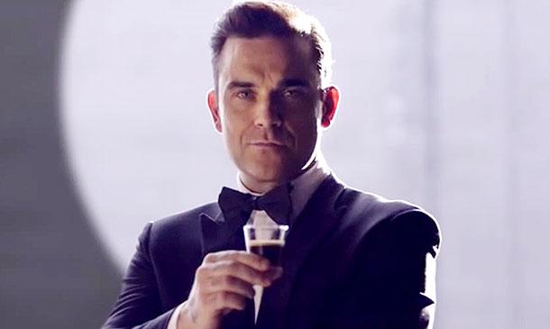Robbie Williams, un agente secreto al servicio… ¡del mejor café!