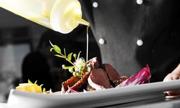Planes con sabor: chefs a domicilio, una sabrosa experiencia 'gastro'… ¡sin salir de tu propia casa!
