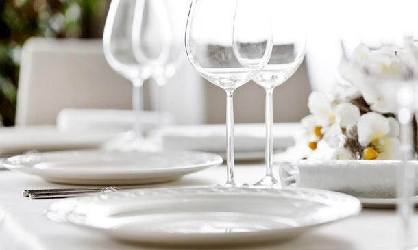 Una comida o cena especial? Aprende a vestir la mesa de forma correcta