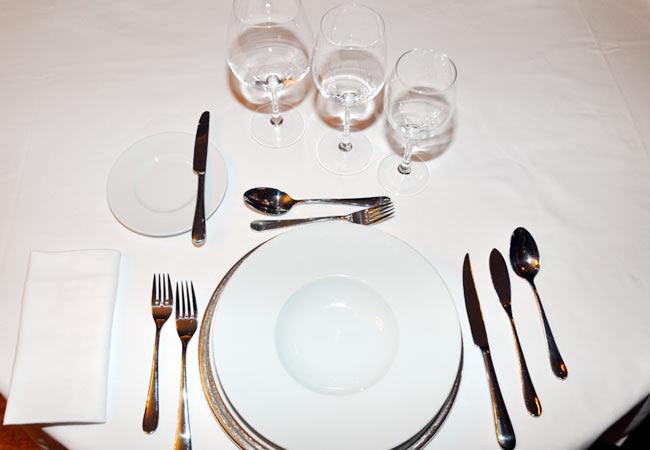 Una comida o cena especial aprende a vestir la mesa de - Como se sirve en la mesa ...