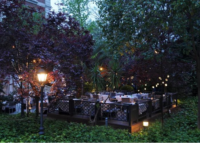 Ocho preciosas terrazas que te sorprender n donde menos - Terrazas romanticas madrid ...