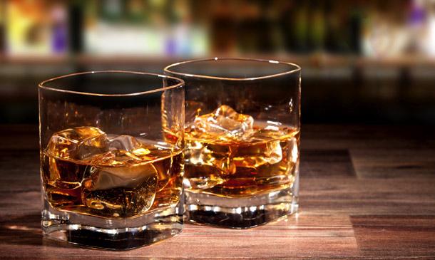 Tiembla 'gin tonic', ¡ha llegado la hora del whisky!