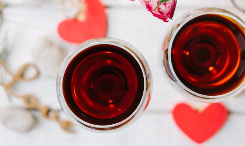 Los vinos más románticos para 'regar' tu cena de San Valentín