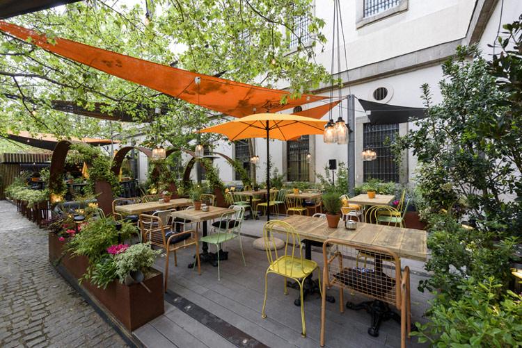 As es 39 arz bal museo reina sof a 39 el restaurante donde for Calle jardin de la reina granada