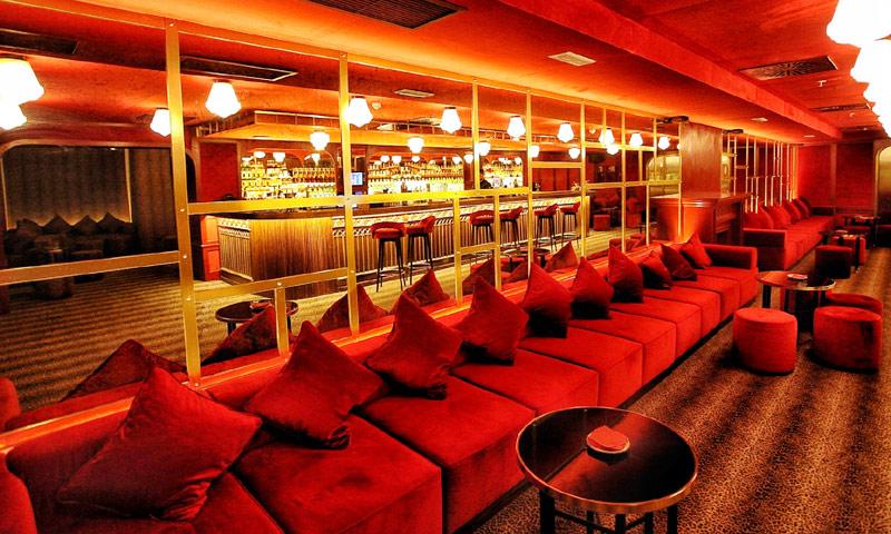 Bares y restaurantes clandestinos que te gustar descubrir - Estanterias para bares ...