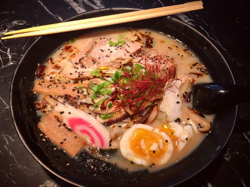 La 'fiebre' del ramen: así es y así se come el 'cocido japonés' que causa furor