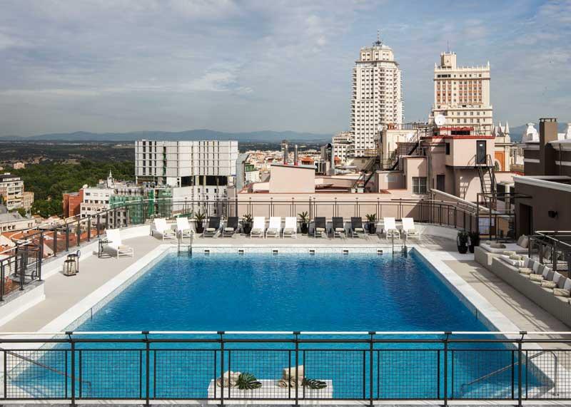 Planes gastro c cteles de verano por todo lo alto - Hotel emperador madrid piscina ...