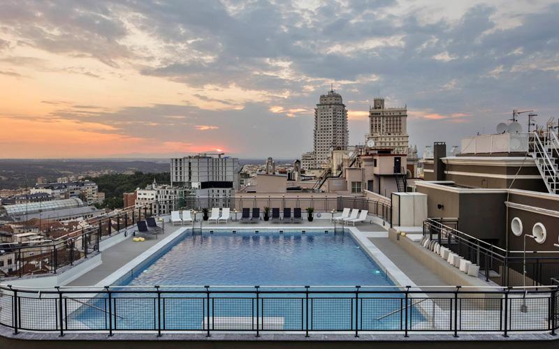 39 terrazeo 39 de verano 12 azoteas para disfrutar por todo - Piscina hotel emperador ...