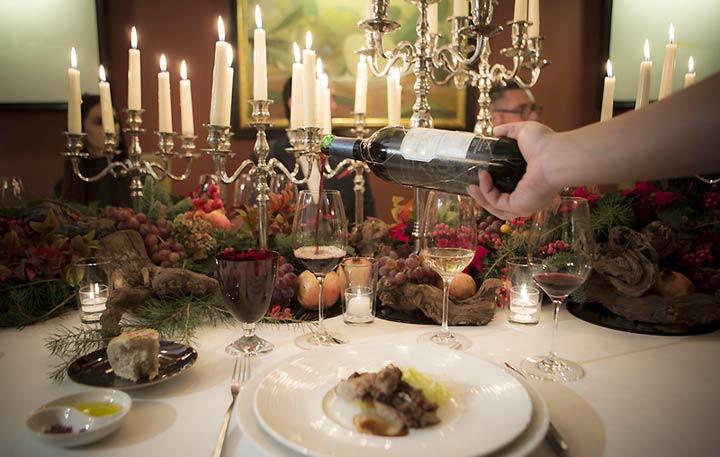 vino-botella-mesa