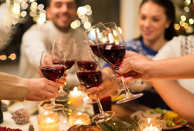 protocolo-mesa-cenas-Navidad-brindis