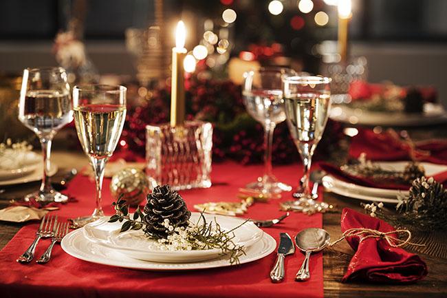 protocolo-mesa-cenas-Navidad-decoración