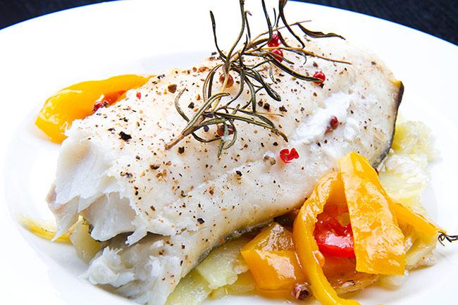 recetas-pescado-bacalao-pimientos-patatas