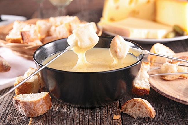 receta-fondue-quesos-dia-internacional
