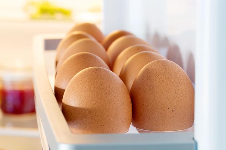 nevera-huevos